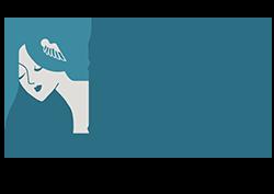Es dibujo de una mujer con el pelo suelto azul, cara blanca y labios azules con adorno de alas en el pelo simulando a la diosa nórdica Freya. Al lado pone Ediciones Freya en tipografía con serifa y color azul.